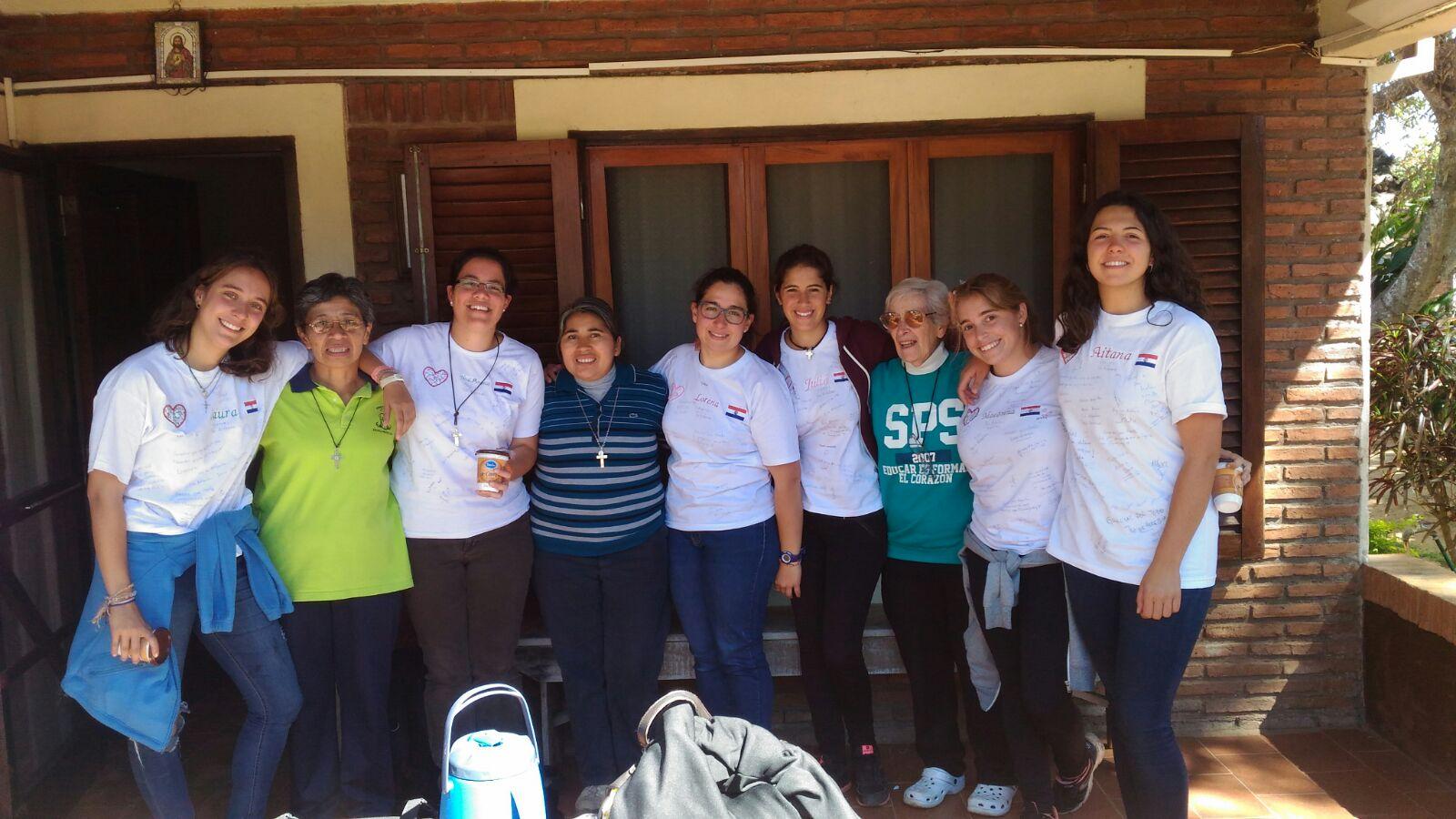 voluntarias y monjas